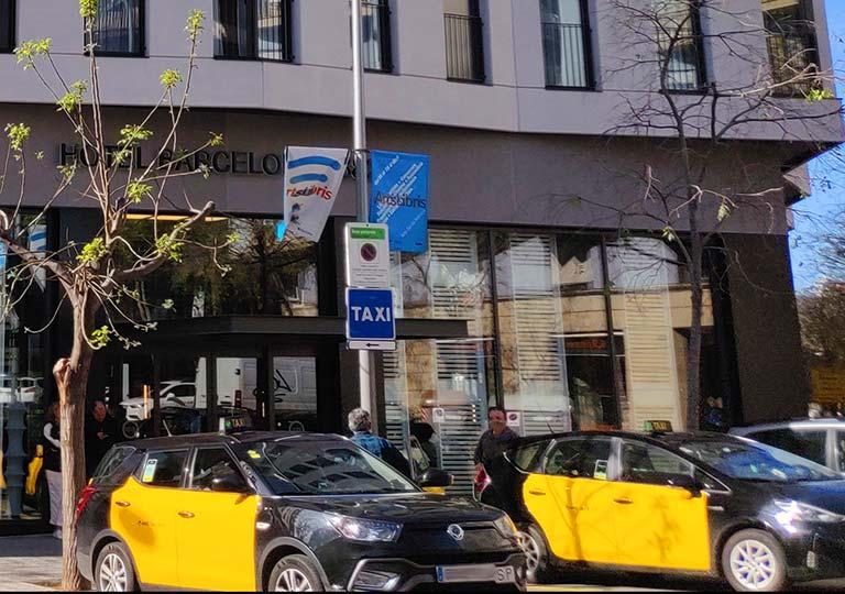 バルセロナ観光 タクシー