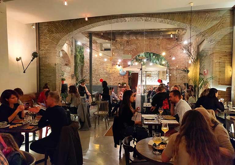 バルセロナグルメ La Bona Sort レストラン店内