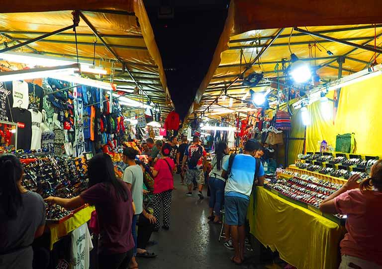 バンコクのパッポン通り(Patpong street)
