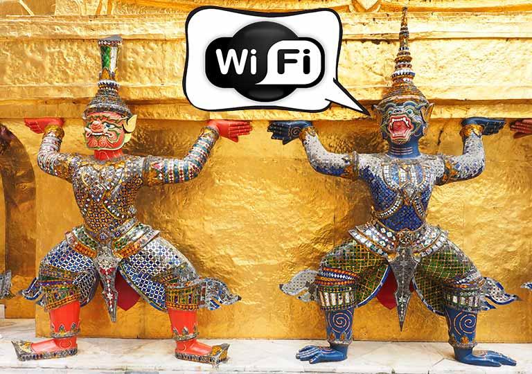 バンコク ワットプラケオのヤック・モックとWiFiのロゴ