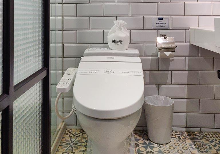 台中 1969ブルースカイホテル(1969 藍天飯店) 客室のトイレ