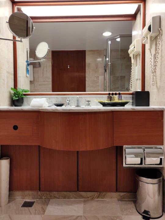 台中 エバーグリーンローレルホテル(長栄桂冠酒店) 客室の洗面台