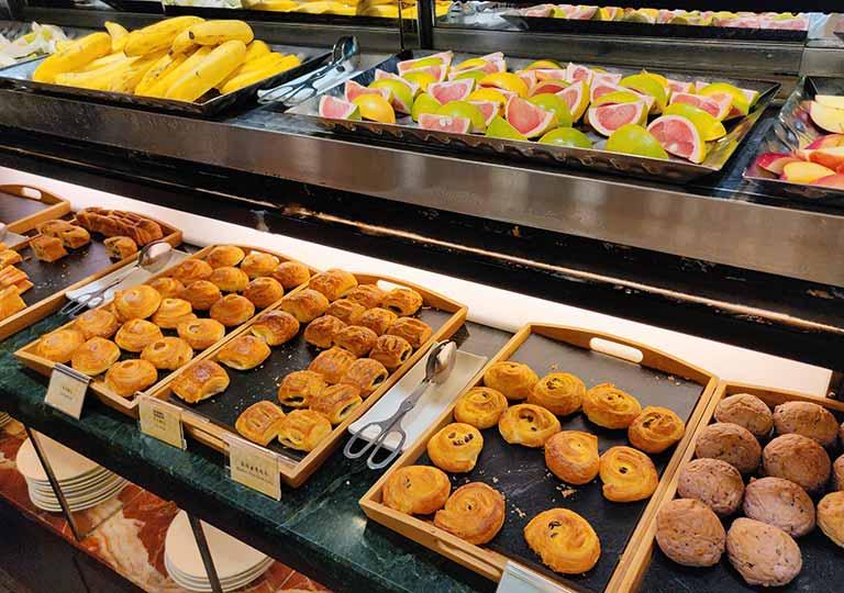 台中 エバーグリーンローレルホテル(長栄桂冠酒店) 朝食ビュッフェのパン