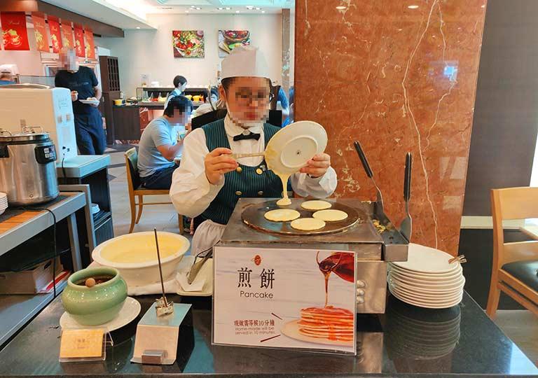 台中 エバーグリーンローレルホテル(長栄桂冠酒店) 朝食ビュッフェのパンケーキ