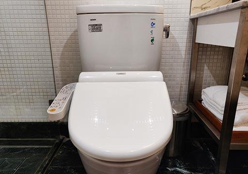 台中 レッドドットホテル(紅點文旅) 客室のトイレ