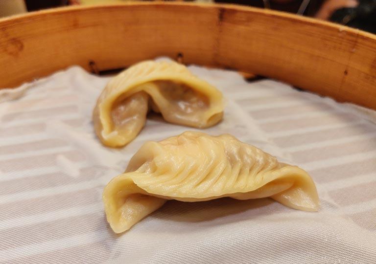 ディンタイフォン台北本店の料理 えびと豚肉入り蒸し餃子