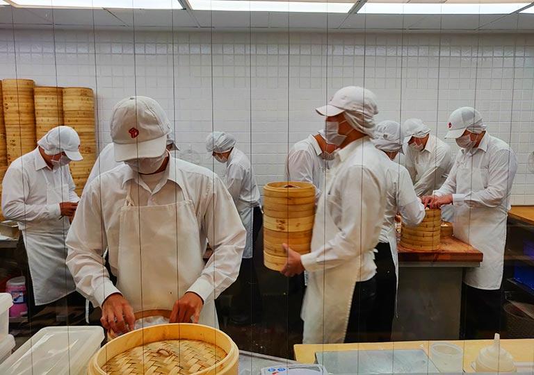 ディンタイフォン台北本店の職人