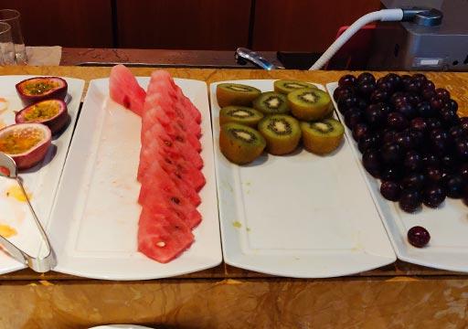 サンワンレジデンシズ台北(San Want Residences Taipei) 朝食ビュッフェのフルーツ