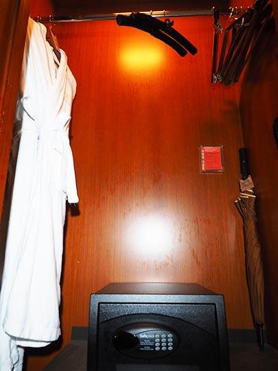 サンワンレジデンシズ台北(San Want Residences Taipei) 客室のワードローブ