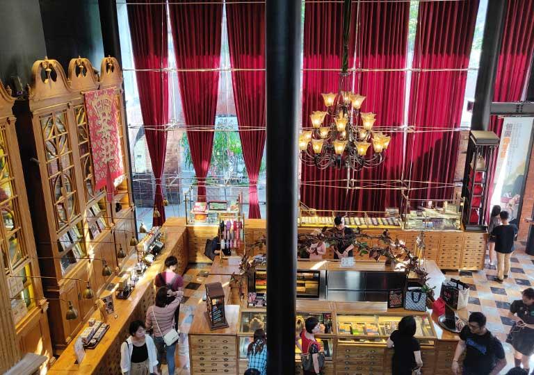 台中の宮原眼科 2階から撮った内部の画像