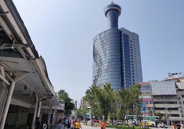 台中のバス停「臺中車站(民族路口)」