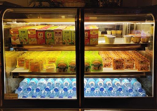ヴィアホテル台北ステーション(Via Hotel Taipei Station) ロビーのドリンク・デザート