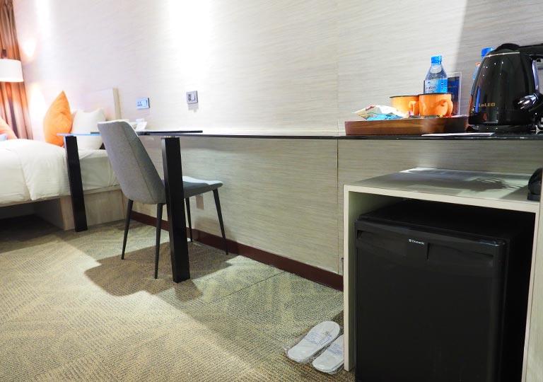 ヴィアホテル台北ステーション(Via Hotel Taipei Station) 客室のデスク