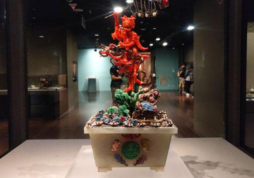 台北 国立故宮博物館の展示物 珊瑚魁星点斗盆景