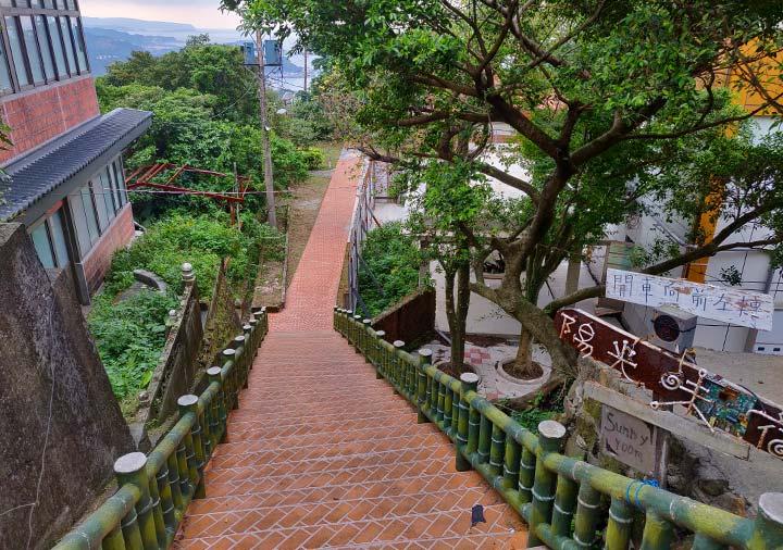 九份 サニールーム(陽光味宿)に行く階段