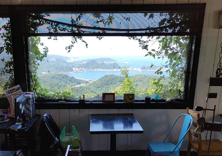九份 サニールーム(陽光味宿)の朝食会場からの景色