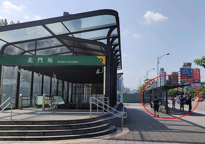 台北から九份に行くバス 965番 バス停の位置