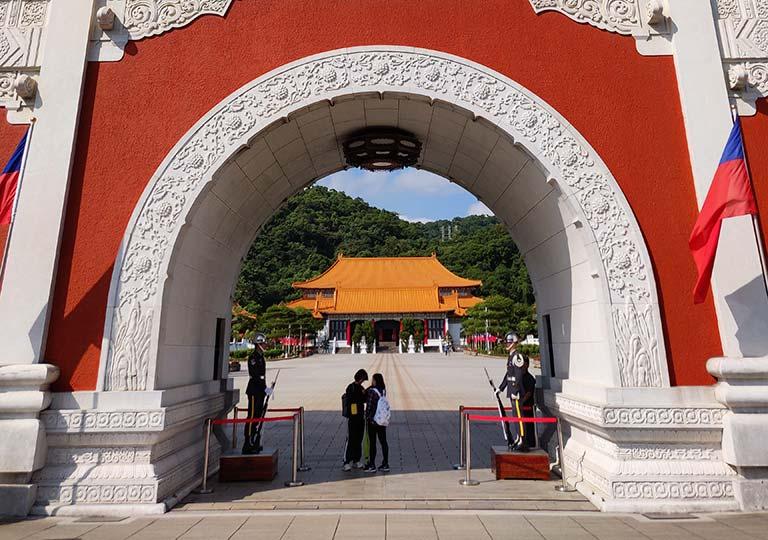 台北 忠烈祠の大門