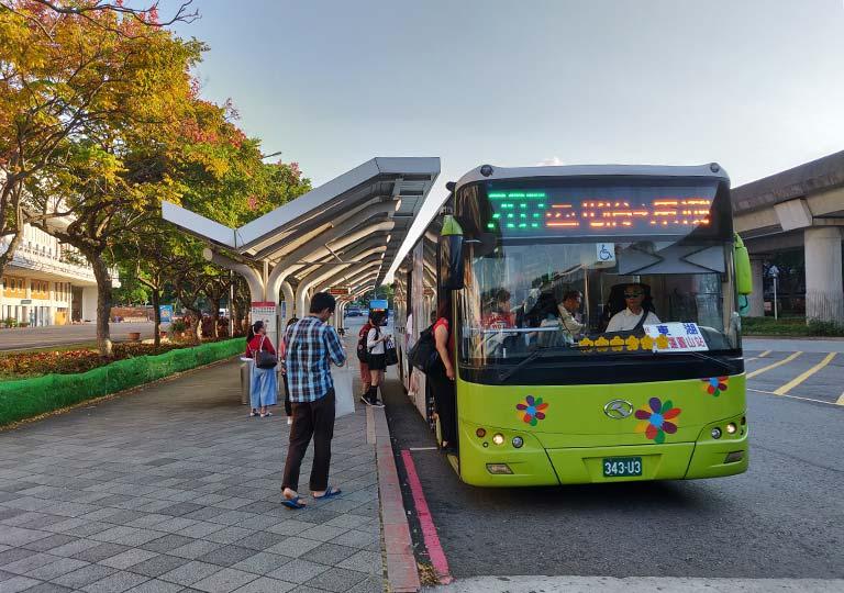台北 圓山駅のバス停