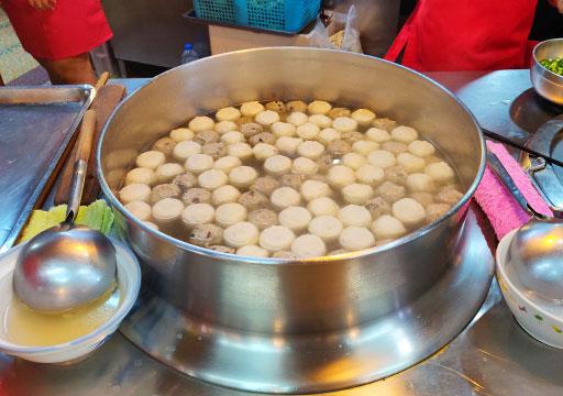 九份 張記傳統魚丸魚のつみれスープ