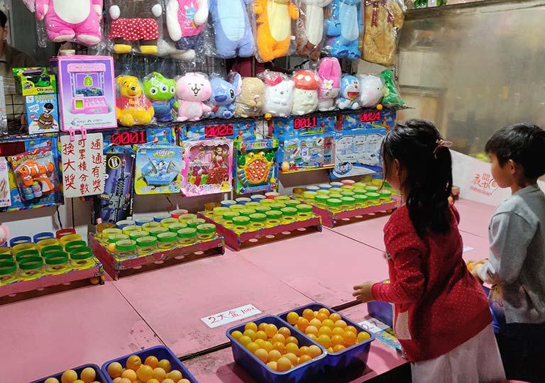 台北 寧夏夜市の屋台ゲーム