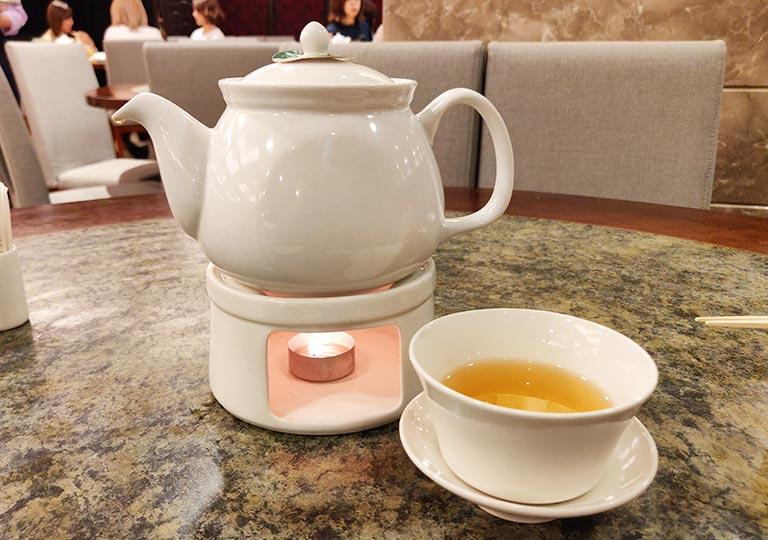 台北 欣葉台菜創始店のウーロン茶