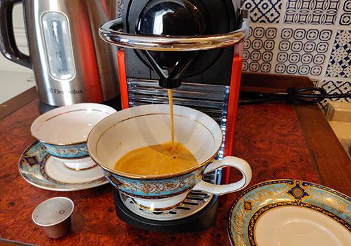 ゴールデンチューリップRSブティックホテル台南 客室のコーヒーマシン