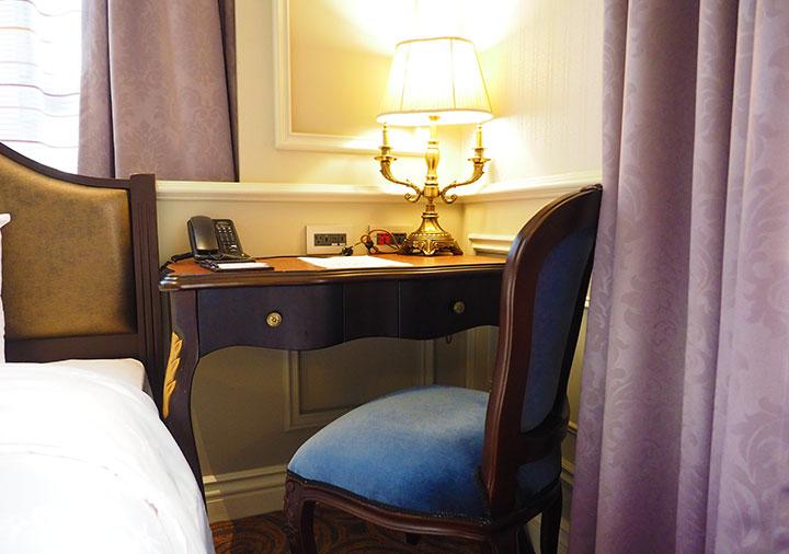 ゴールデンチューリップRSブティックホテル台南 客室のデスク