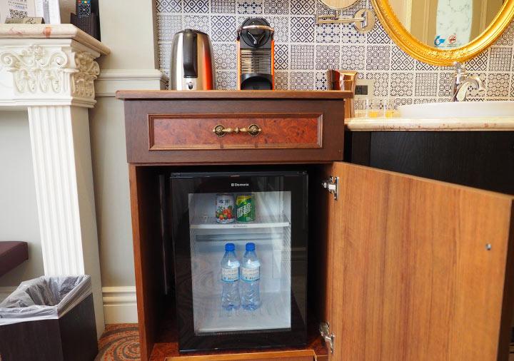 ゴールデンチューリップRSブティックホテル台南 客室のキッチン台