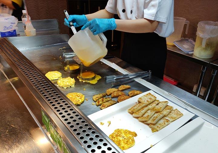 カインドネスホテル台南チーカンタワー 夜食のエッグカウンター