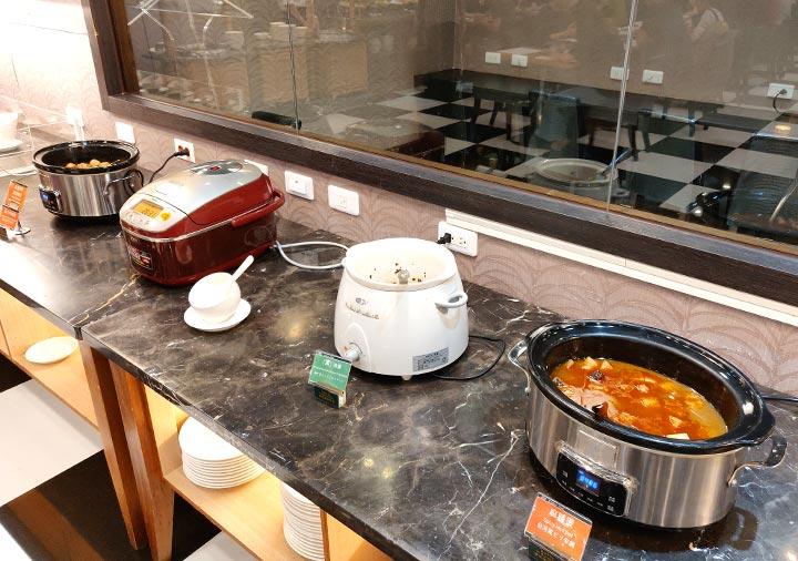 カインドネスホテル台南チーカンタワー 夜食の料理