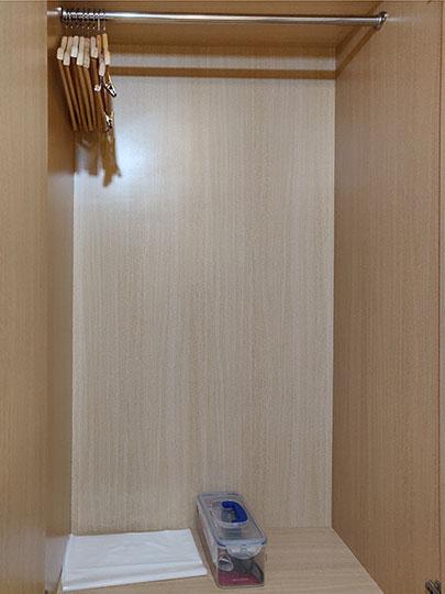 カインドネスホテル台南チーカンタワー 客室のワードローブ