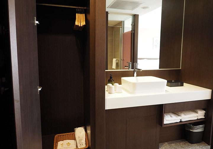 レイクショアホテル台南 客室のワードローブ