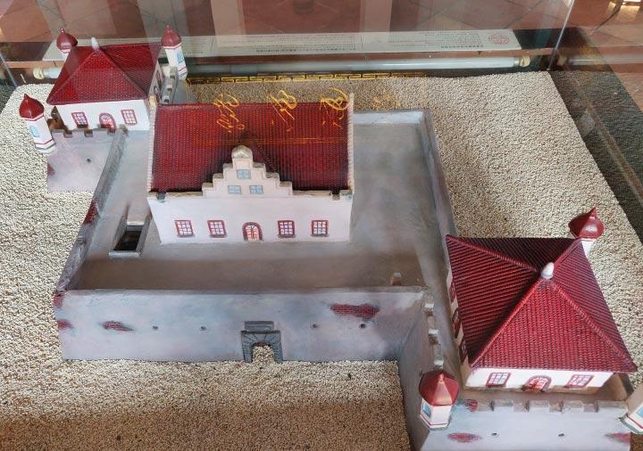 台南 赤崁楼の海神廟 内部のプロヴィンシア城模型