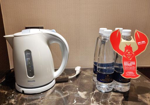 シャングリラ・ファーイースタンプラザホテル台南 客室の電気ポット
