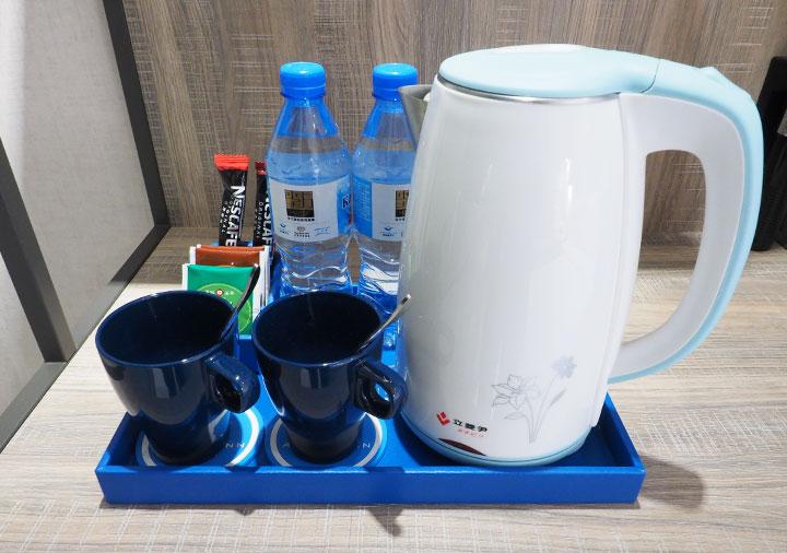 高雄 エアラインイン高雄ステーション お茶セット
