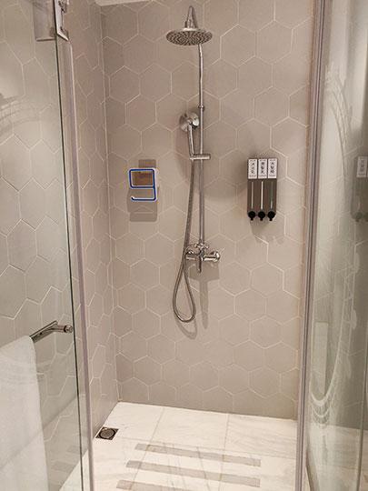 高雄 エアラインイン高雄ステーション シャワー