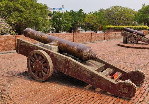 台南 安平古堡の大砲