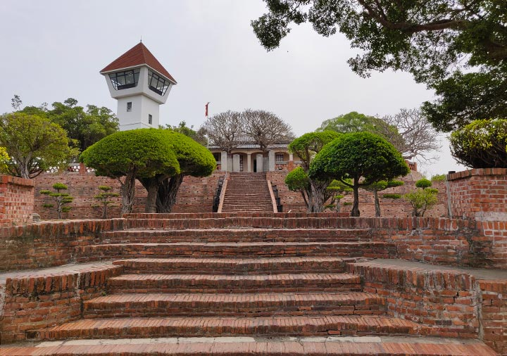 台南 安平古堡のレンガの階段と展望台