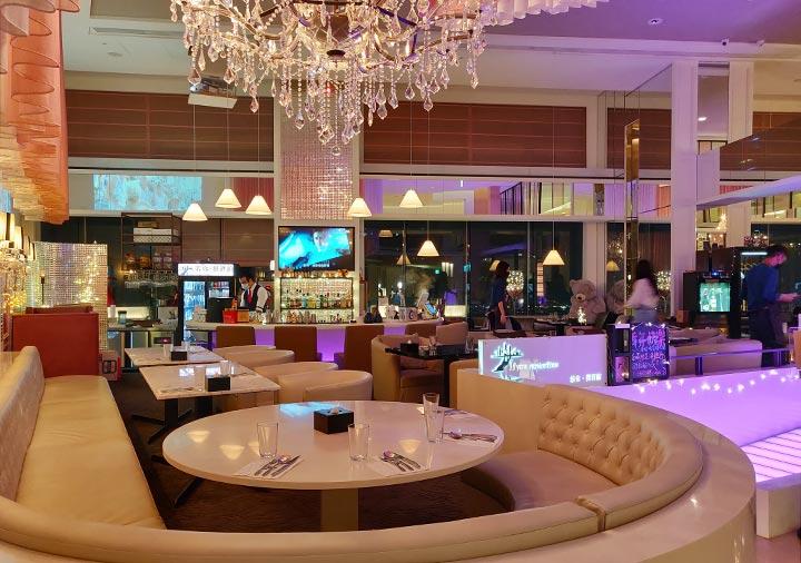 ホテルコッツィ高雄中山館 30階のバー
