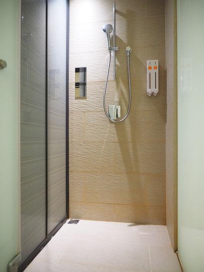 ホテルコッツィ高雄中山館 客室のシャワー