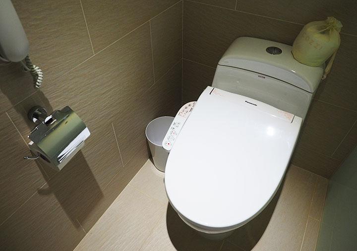 ホテルコッツィ高雄中山館 客室のトイレ