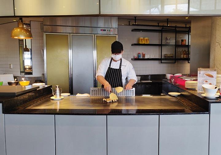 アンバサダーホテル高雄 朝食ビュッフェのエッグカウンター