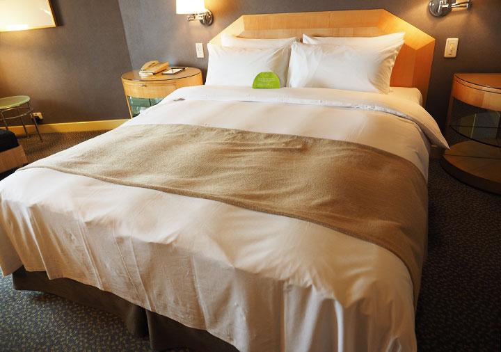 アンバサダーホテル高雄 客室のベッド