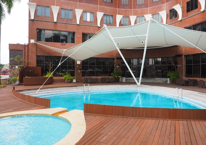 アンバサダーホテル高雄 プール