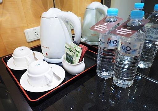 アンバサダーホテル高雄 客室のコーヒー・お茶セット