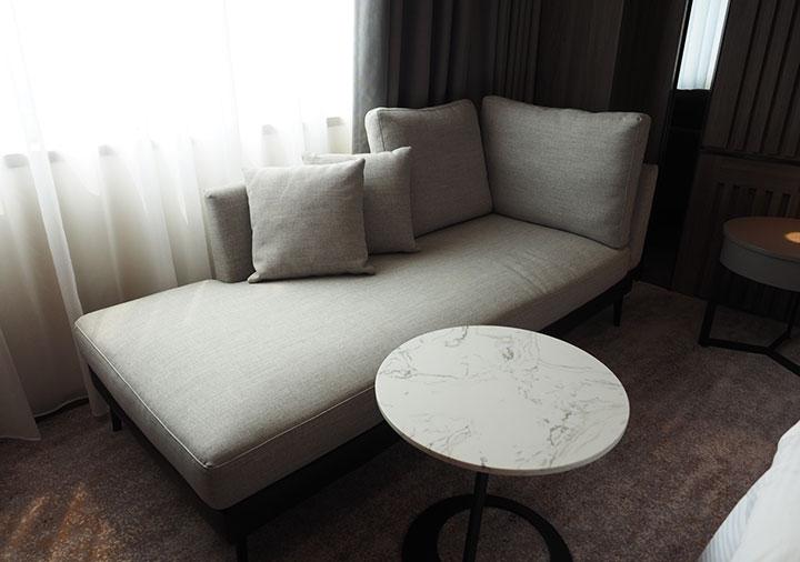 高雄 ハワードプラザホテル高雄 客室のソファー