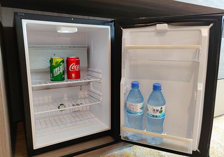 高雄 ハワードプラザホテル高雄 客室の冷蔵庫