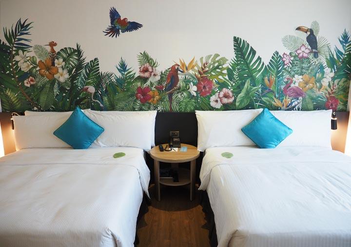 ジャストスリープ高雄駅前館 客室のベッド