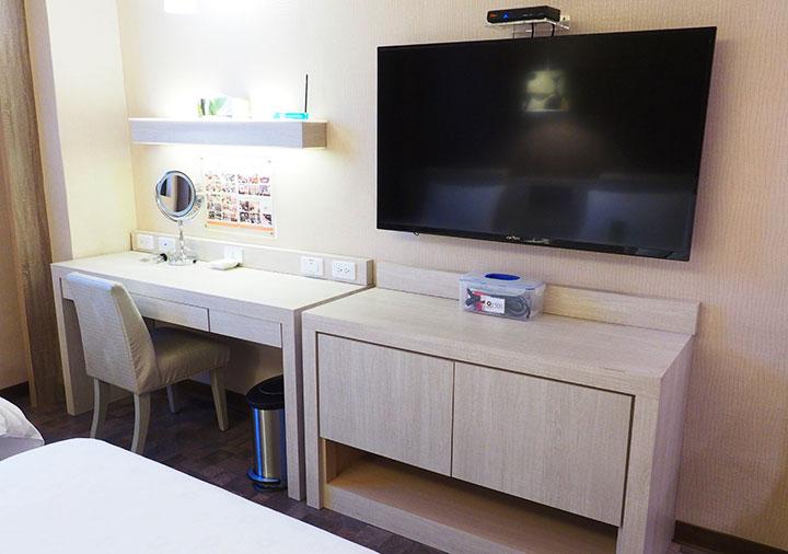 高雄 カインドネスホテル高雄メインステーションの客室の家具